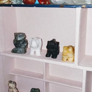 Assorted animal gemstones